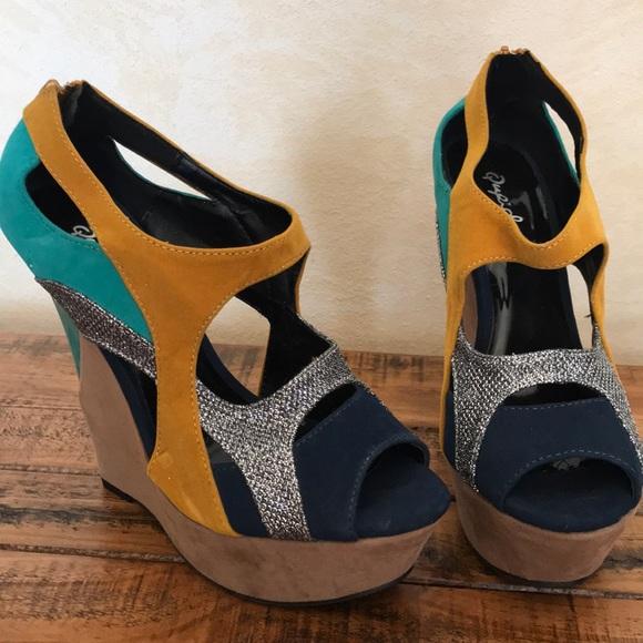 aadde64c2ca Qupid Wedge Sandals